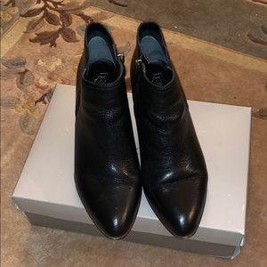 EUC Franco Sarto Odeon Black Leather Bootie Sz 7.5